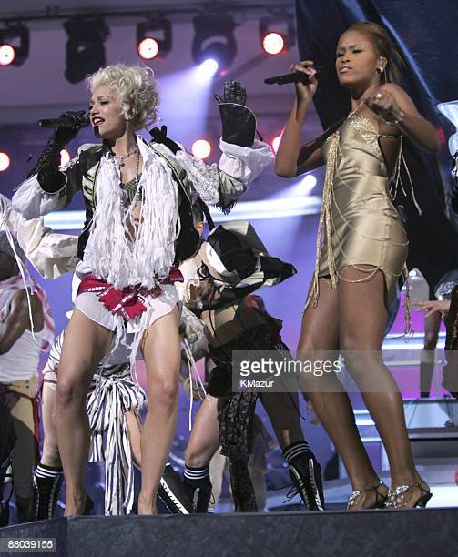 Gwen Stefani and Eve perform 'Rich Girl' Photo by KMazur/WireImage for The Recording Academy