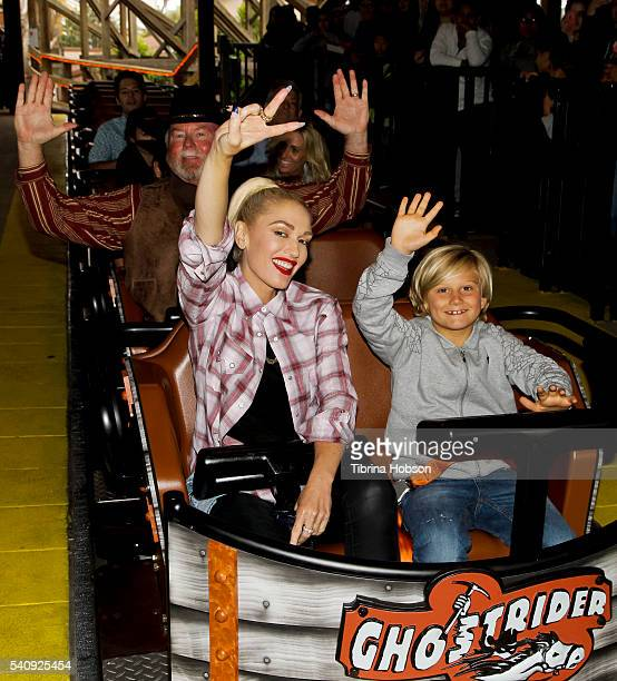 Gwen Stefani and her son Zuma Rossdale ride the GhostRider roller coaster at Knott's Berry Farm on June 11 2016 in Buena Park California