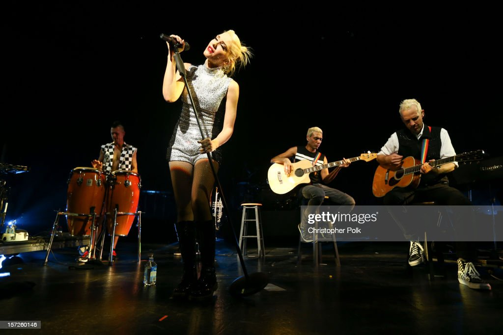 <a gi-track='captionPersonalityLinkClicked' href=/galleries/search?phrase=Gwen+Stefani&family=editorial&specificpeople=156423 ng-click='$event.stopPropagation()'>Gwen Stefani</a> and members of No Doubt perform at Gibson Amphitheatre on November 30, 2012 in Universal City, California.