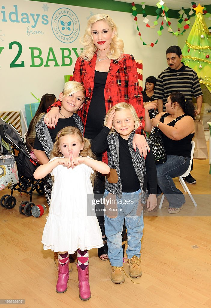 <a gi-track='captionPersonalityLinkClicked' href=/galleries/search?phrase=Gwen+Stefani&family=editorial&specificpeople=156423 ng-click='$event.stopPropagation()'>Gwen Stefani</a> and sons Kingston (L) and Zuma and niece Stella Stefani attend the Third Annual Baby2Baby Holiday Party presented by The Honest Company on December 14, 2013 in Los Angeles, California.
