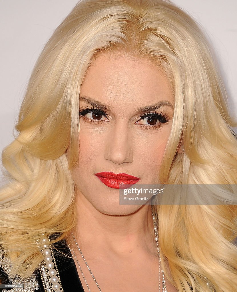 Gwen Stefani arrives at the 40th Anniversary American Music Awards at Nokia Theatre L.A. Live on November 18, 2012 in Los Angeles, California.