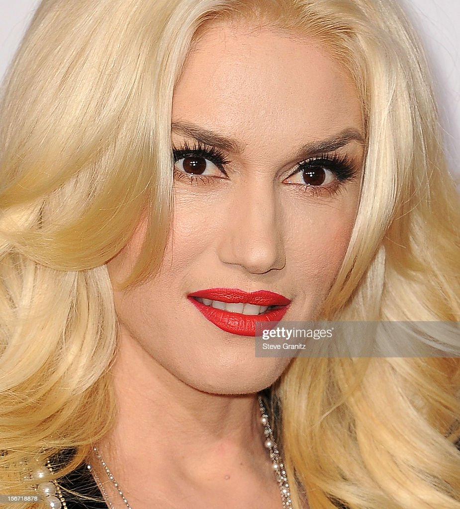 <a gi-track='captionPersonalityLinkClicked' href=/galleries/search?phrase=Gwen+Stefani&family=editorial&specificpeople=156423 ng-click='$event.stopPropagation()'>Gwen Stefani</a> arrives at the 40th Anniversary American Music Awards at Nokia Theatre L.A. Live on November 18, 2012 in Los Angeles, California.