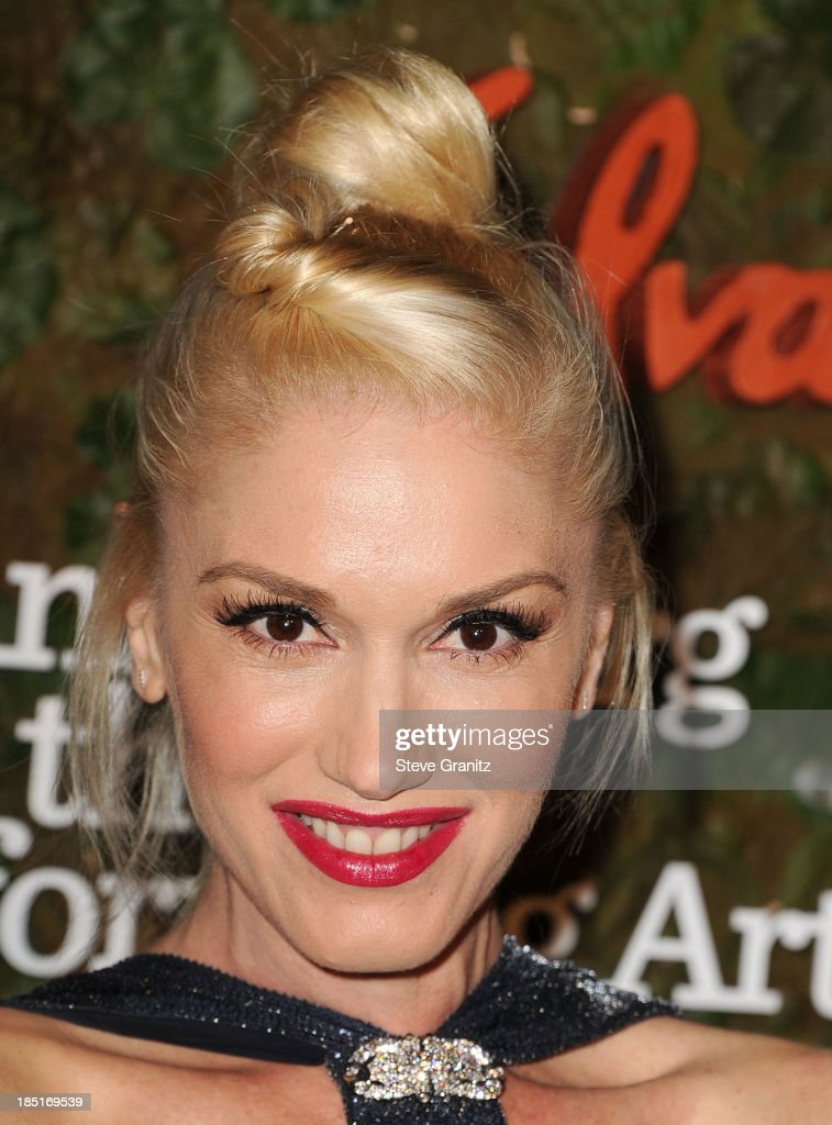 <a gi-track='captionPersonalityLinkClicked' href=/galleries/search?phrase=Gwen+Stefani&family=editorial&specificpeople=156423 ng-click='$event.stopPropagation()'>Gwen Stefani</a> arrives at the Wallis Annenberg Center For The Performing Arts Inaugural Gala at Wallis Annenberg Center for the Performing Arts on October 17, 2013 in Beverly Hills, California.