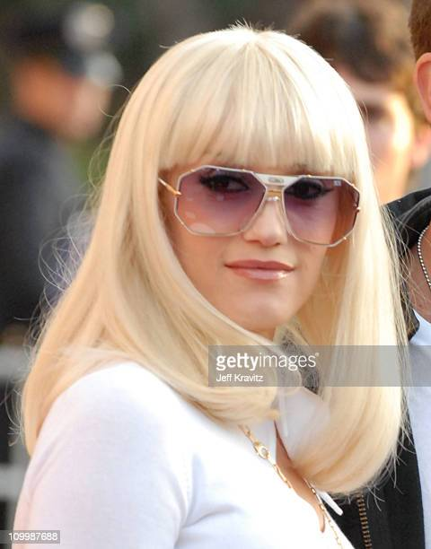 Gwen Stefani during 2006 American Music Awards Arrivals at Shrine Auditorium in Los Angeles California United States