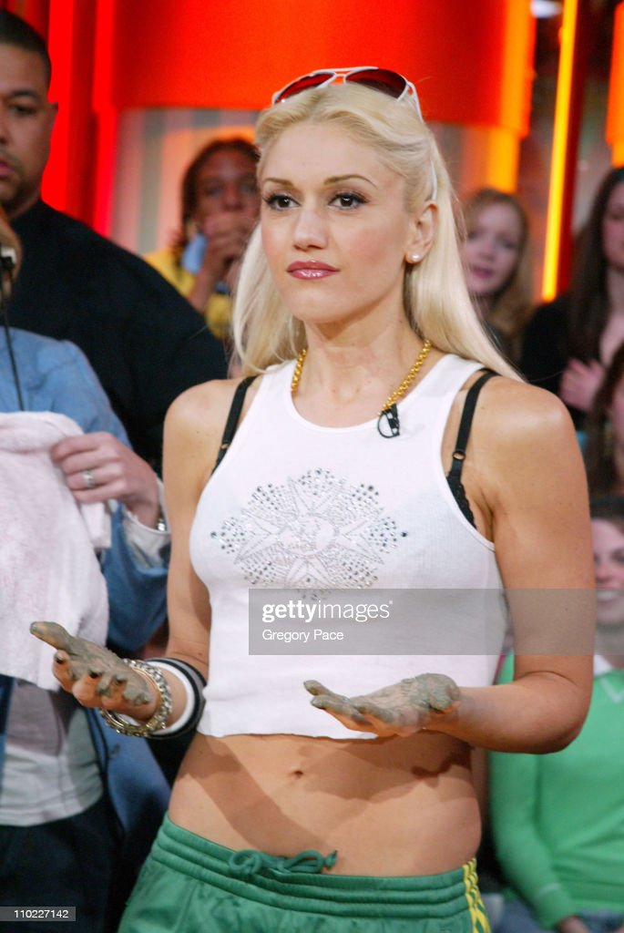 Gwen Stefani during Sandra Bullock and Gwen Stefani Visit MTV's 'TRL' March 22 2005 at MTV Studios Times Square in New York City New York United...
