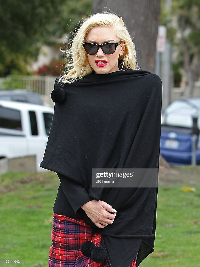 <a gi-track='captionPersonalityLinkClicked' href=/galleries/search?phrase=Gwen+Stefani&family=editorial&specificpeople=156423 ng-click='$event.stopPropagation()'>Gwen Stefani</a> is seen on March 30, 2013 in Los Angeles, California.