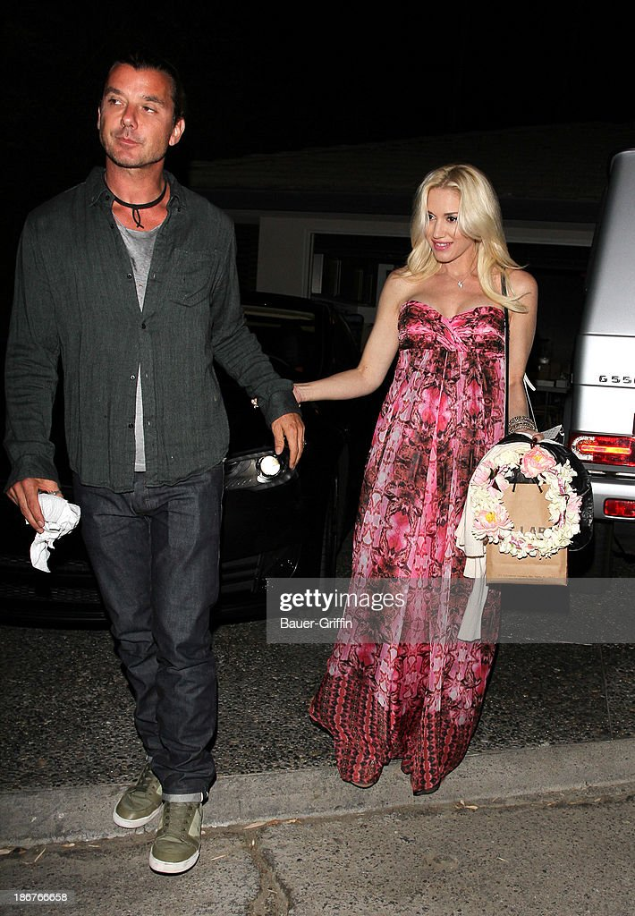 <a gi-track='captionPersonalityLinkClicked' href=/galleries/search?phrase=Gwen+Stefani&family=editorial&specificpeople=156423 ng-click='$event.stopPropagation()'>Gwen Stefani</a> is seen on November 03, 2013 in Los Angeles, California.