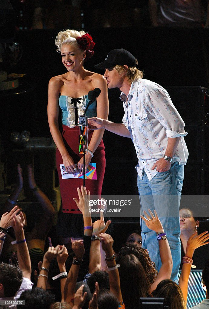 Gwen Stefani of No Doubt and Owen Wilson during 2004 MTV Video Music Awards - Show at American Airlines Arena in Miami, Florida, United States.