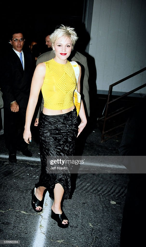 <a gi-track='captionPersonalityLinkClicked' href=/galleries/search?phrase=Gwen+Stefani&family=editorial&specificpeople=156423 ng-click='$event.stopPropagation()'>Gwen Stefani</a>