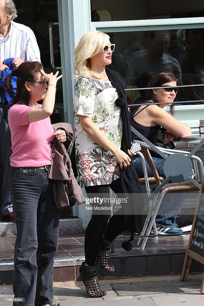 <a gi-track='captionPersonalityLinkClicked' href=/galleries/search?phrase=Gwen+Stefani&family=editorial&specificpeople=156423 ng-click='$event.stopPropagation()'>Gwen Stefani</a> seen in Primrose Hill after having lunch on August 19, 2013 in London, England.