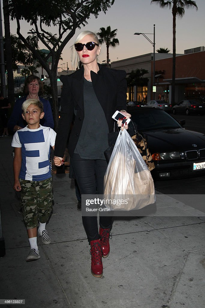 Gwen Stefani shops in Beverly Hills with Kingston. on September 30, 2013 in Los Angeles, California.