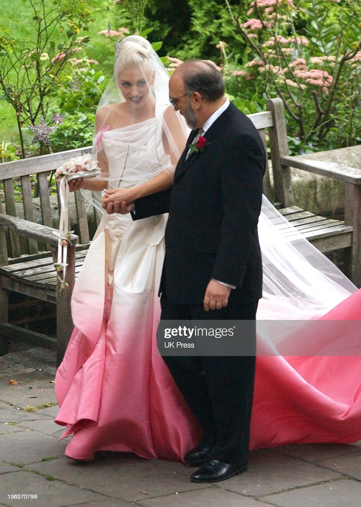 Gwen Stefani with her father Dennis Stefani during the wedding ceremony of Gwen Stefani and Gavin Rossdale held on September 14, 2002 at St Paul's Cathedral in Covent Garden in London, England.
