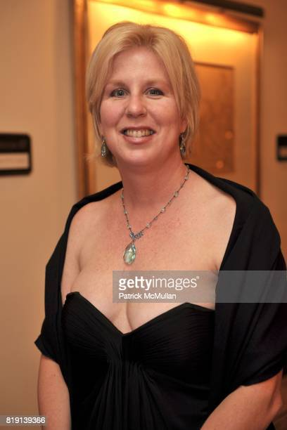 Gwyn Dilday attends JUNIOR LEAGUE LEGACY BALL HONORING HENRY WINKLER at Montage Hotel on March 6 2010 in Beverly Hills California