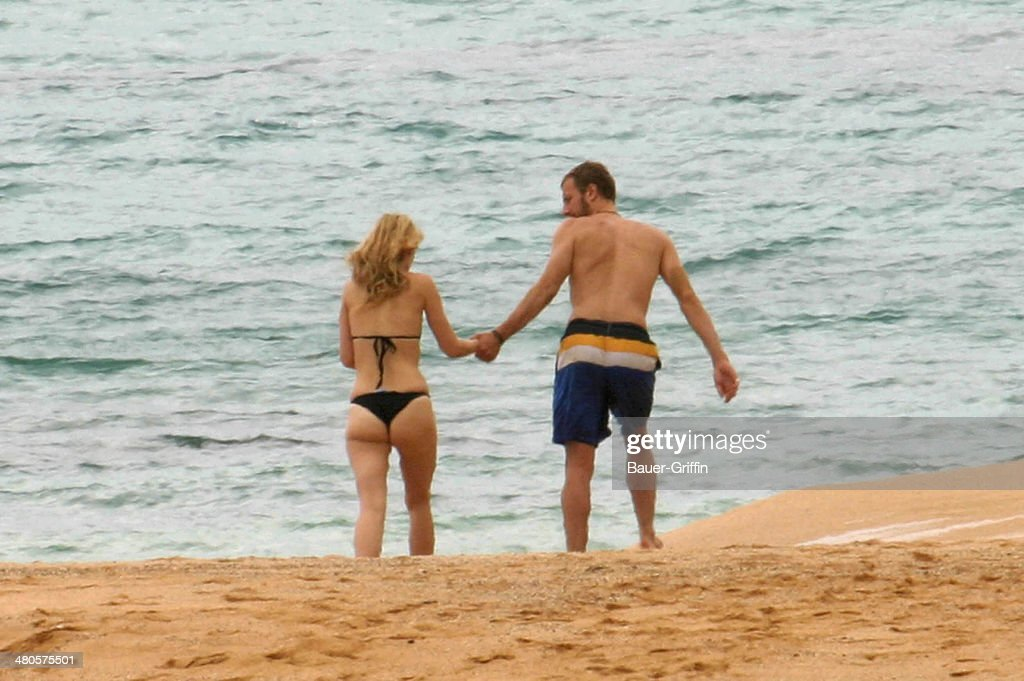 Gwyneth Paltrow and Chris Martin are seen on May 01 2002 in Kauai Hawaii