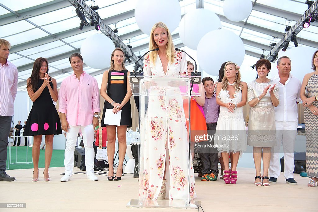 Gwyneth Paltrow attends the Hamptons paddle and party for Pink-Sunset cocktail party benefiting the Breast Cancer Research Foundation on August 1, 2015 in Bridgehampton, New York.