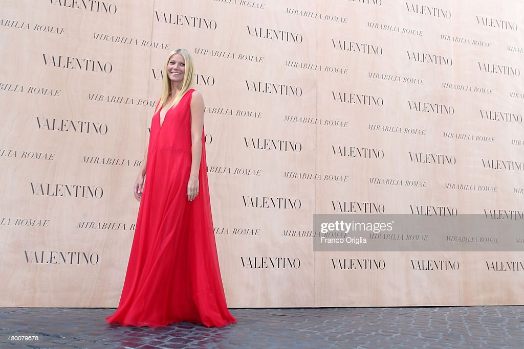 Gwyneth Paltrow attends the Valentino 'Mirabilia Romae' show as part of AltaRoma AltaModa Fashion Week Fall/Winter 2015/16 on July 9, 2015 in Rome, Italy.