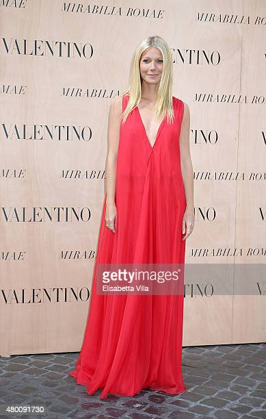 Gwyneth Paltrow attends the Valentinos 'Mirabilia Romae' haute couture collection fall/winter 2015 2016 at Piazza Mignanelli on July 9 2015 in Rome...