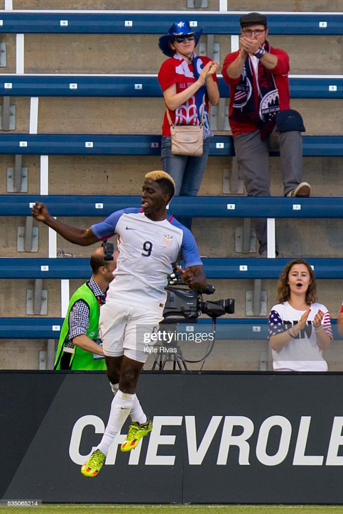 Gyasi Zardes #9 of USA celebrates after scoring the first goal against Bolivia in the first half of the COPA America Centenario USA 2016 on May 28, 2016 at Children's Mercy Park in Kansas City, Kansas.