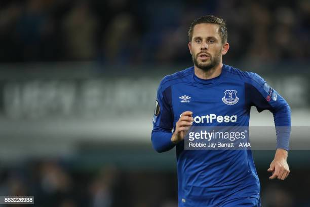 Gylfi Sigurdsson of Everton during the UEFA Europa League group E match between Everton FC and Olympique Lyon at Goodison Park on October 19 2017 in...