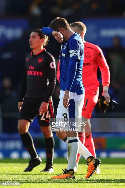 Gylfi Sigurdsson of Everton looks dejected following the Premier League match between Everton and Arsenal at Goodison Park on October 22 2017 in...