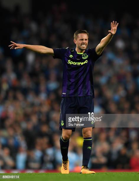 Gylfi Sigurdsson of Everton reacts during the Premier League match between Manchester City and Everton at Etihad Stadium on August 21 2017 in...