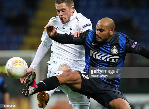 Gylfi Sigurdsson of Tottenham Hotspur competes for the ball with of Jonathan Cicero Moreira FC Internazionale Milano during the UEFA Europa League...