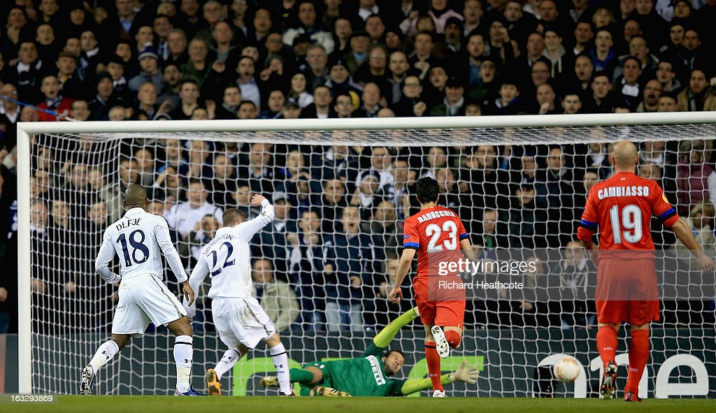 Gylfi Sigurdsson of Tottenham Hotspur scores his side's second goal past Samir Handanovic of FC Internazionale Milano during the UEFA Europa League Round of 16 First Leg match between Tottenham Hotspur and FC Internazionale Milano at White Hart Lane on March 7, 2013 in London, England.