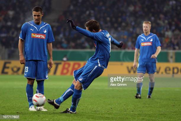 Gylfi Sigurdsson scores his team's first goal with a free kick during the DFB Cup round of sixteen match between 1899 Hoffenheim and Borussia...