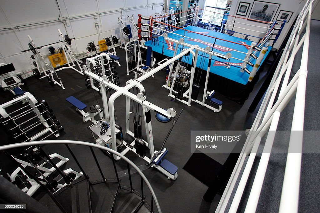 Home gym mark wahlberg  BEVERLY HILLS,CALIFORNIA. OCTOBER 13, 2008. Gym and boxing ring ...