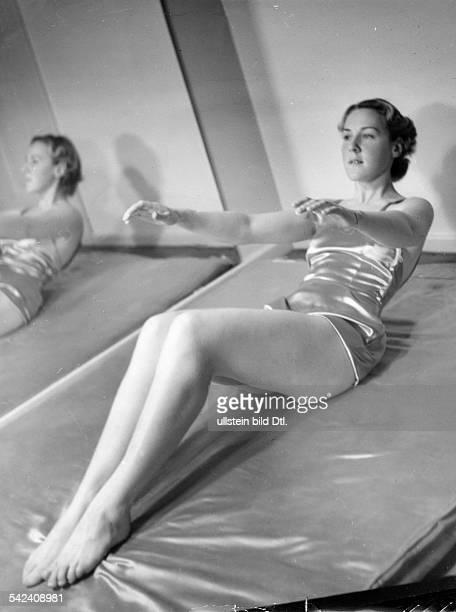 Gymnastics at Elizabeth Arden around 1938 Photographer Hedda Walther Published by 'Die Dame' 01/1938Vintage property of ullstein bild
