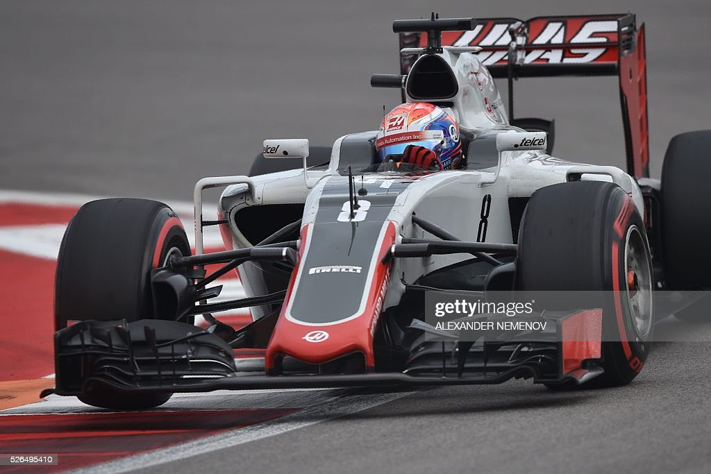 Haas F1 Team's French driver Romain Grosjean steers his car during the qualifying session of the Formula One Russian Grand Prix at the Sochi Autodrom circuit on April 30, 2016. / AFP / ALEXANDER