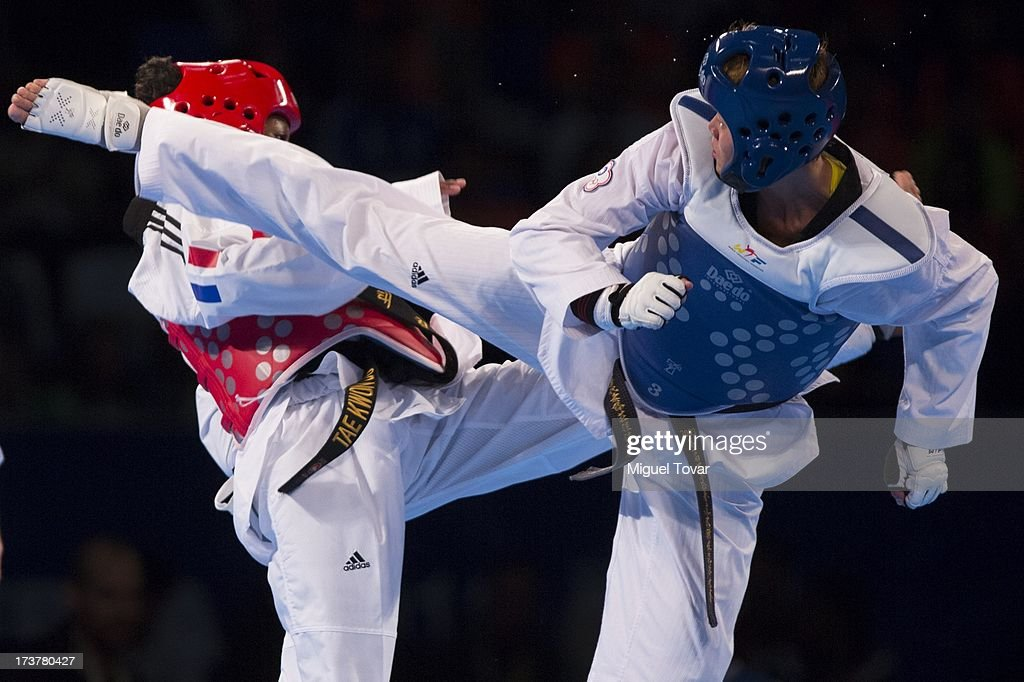 Haby Niare of France (red) competes with Chia Chia Chuang of Chinese Taipei (blue) during a Wome's -67 kg combat of WTF World Taekwondo Championships 2013 at the exhibitions Center on July 17, 2013 in Puebla, Mexico.