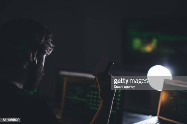 Hacker avec une carte de crédit