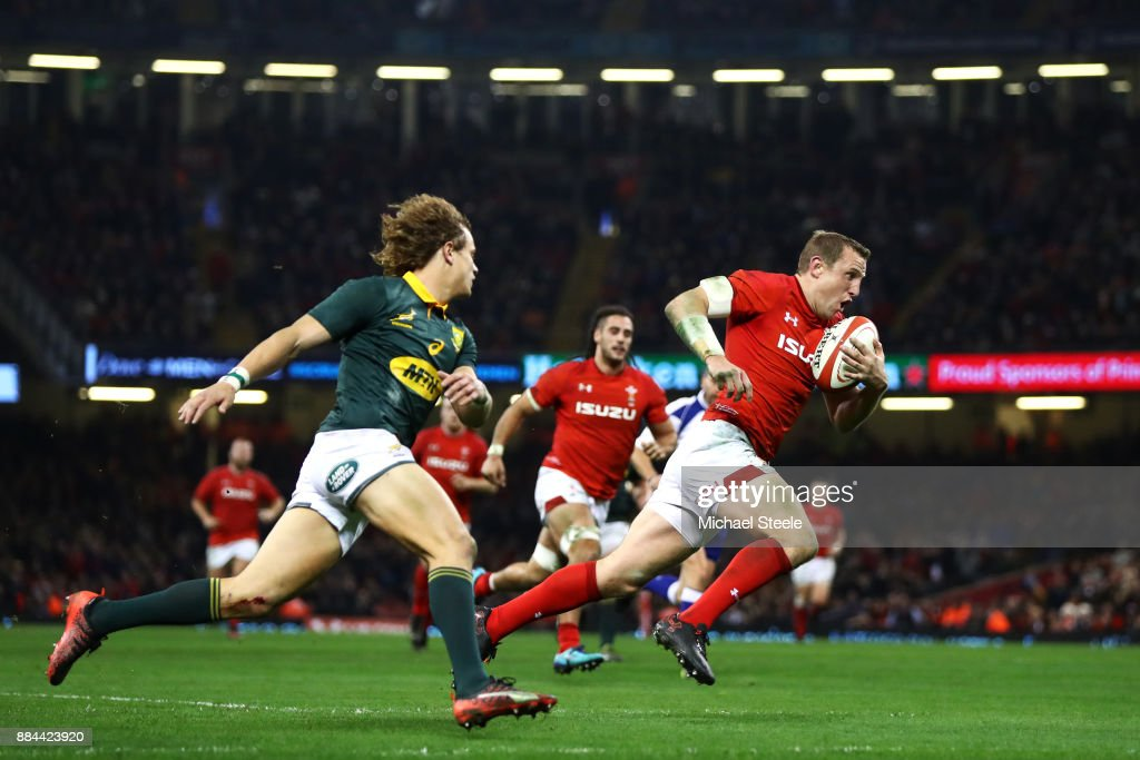 Hadleigh Parkes of Wales touches downn for the third try during the international match match between Wales and South Africa at Principality Stadium on December 2, 2017 in Cardiff, Wales.