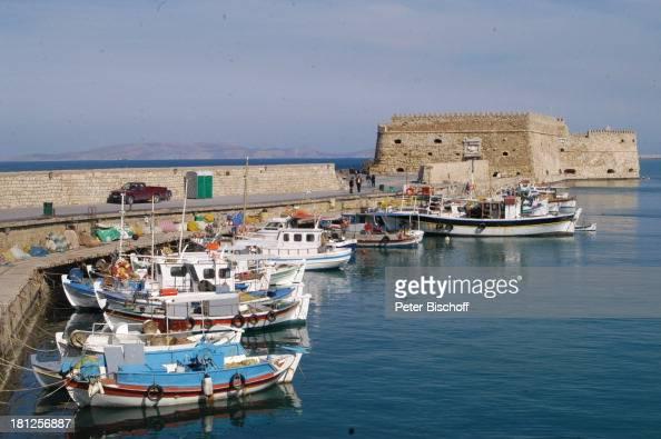 Hafen und venetianische Festung 'Koules' Heraklion Insel Kreta Griechenland Europa Mittelmeer ProdNr 188/2006 Fischerboote Boote Schiffe Meer...