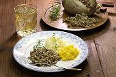 haggis neeps tatties and scotch whisky, scotland traditional food
