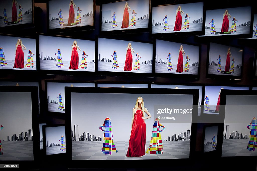 Haier Co. Ltd. LED televisions sit on display during the 2010 International Consumer Electronics Show (CES) in Las Vegas, Nevada, U.S., on Saturday, Jan. 9, 2010. 20,000 new technologies will debut at CES, which runs through Jan. 11 and is expected to see at least 113,000 attendees and 2,500 exhibitors, the Consumer Electronics Association said. Photographer: Daniel Acker/Bloomberg via Getty Images