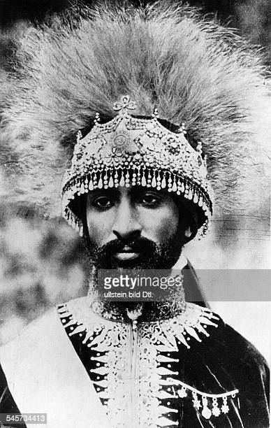 Haile Selassie I*23071892Ras Tafari MakkonenKaiser Äthiopien 19301974 Portrait mit Krone aus Edelsteinen und Löwenhaar