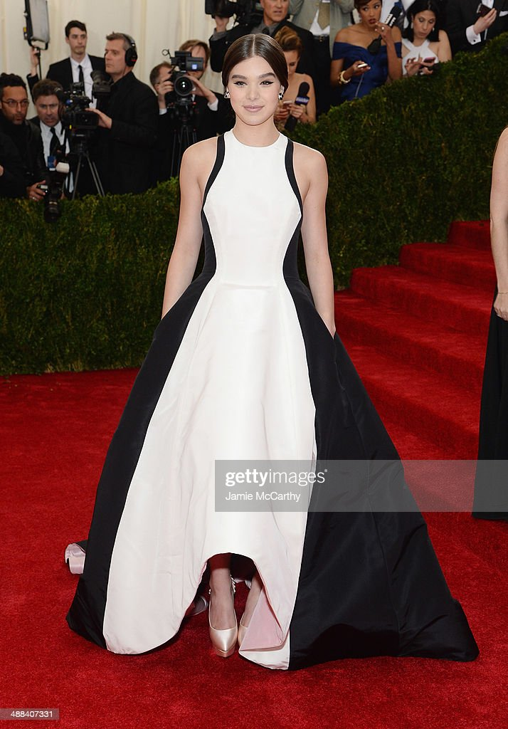 Hailee Steinfeld attends the 'Charles James: Beyond Fashion' Costume Institute Gala at the Metropolitan Museum of Art on May 5, 2014 in New York City.