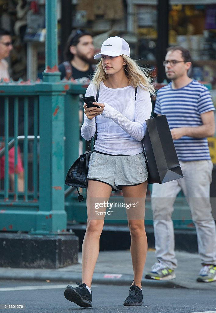 <a gi-track='captionPersonalityLinkClicked' href=/galleries/search?phrase=Hailey+Baldwin&family=editorial&specificpeople=5614657 ng-click='$event.stopPropagation()'>Hailey Baldwin</a> is seen on June 27, 2016 in New York City.
