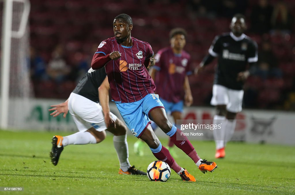 Hakeeb Adelakun of Scunthorpe United in action during the Emirates FA Cup First Round Replay match between Scunthorpe United and Northampton Town at Glanford Park on November 14, 2017 in Scunthorpe, England.