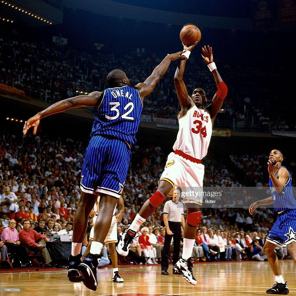 Ho houston rockets nba championship - Hakeem Olajuwon 34 Of The Houston Rockets Attempts A Shot Against Shaquille O Neal