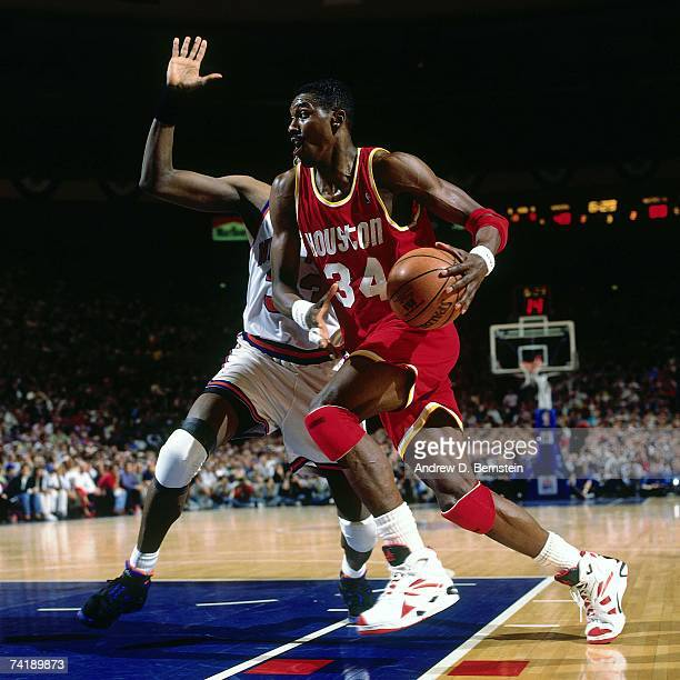 Houston Rockets Dream Shake: Hakeem Olajuwon Patrick Ewing Stock Photos And Pictures