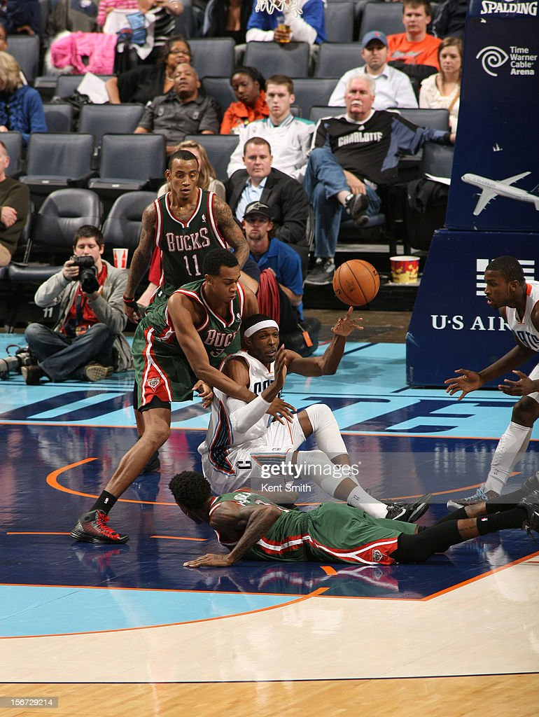 <a gi-track='captionPersonalityLinkClicked' href=/galleries/search?phrase=Hakim+Warrick&family=editorial&specificpeople=210640 ng-click='$event.stopPropagation()'>Hakim Warrick</a> #21 of the Charlotte Bobcats passes against the Milwaukee Bucks at the Time Warner Cable Arena on November 19, 2012 in Charlotte, North Carolina.