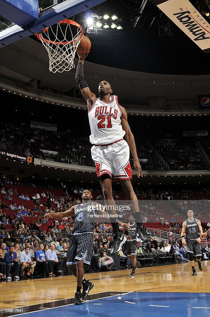 Hakim Warrick of the Chicago Bulls dunks during the game against the Orlando Magic at Amway Arena on March 11 2010 in Orlando Florida The Magic won...
