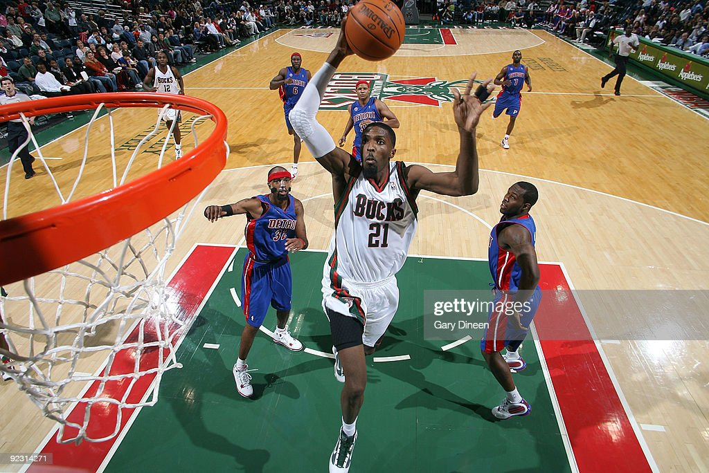 Hakim Warrick of the Milwaukee Bucks dunks against the Detroit Pistons on October 23 2009 at the Bradley Center in Milwaukee Wisconsin NOTE TO USER...