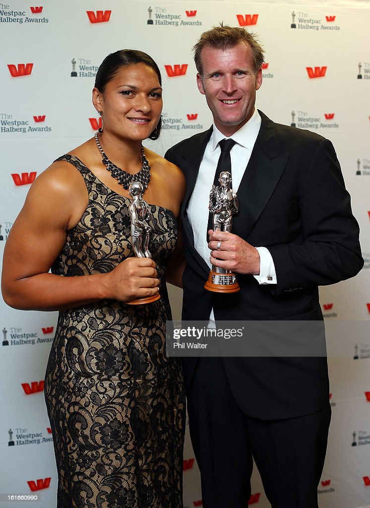 Halberg Sportsman of the Year Mahe Drysdale (R) and Halberg Sportswomen of the Year Valerie Adams (L) pose with their awards during the 2013 Halberg Awards at Vector Arena on February 14, 2013 in Auckland, New Zealand.
