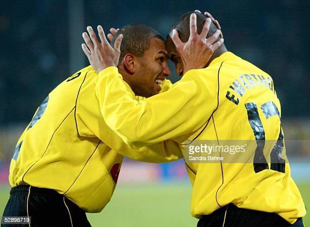 POKAL 01/02 Halbfinale Dortmund BORUSSIA DORTMUND AC MAILAND 40 JUBEL Marcio AMOROSO und EWERTHON/DORTMUND nach dem TOR zum 40