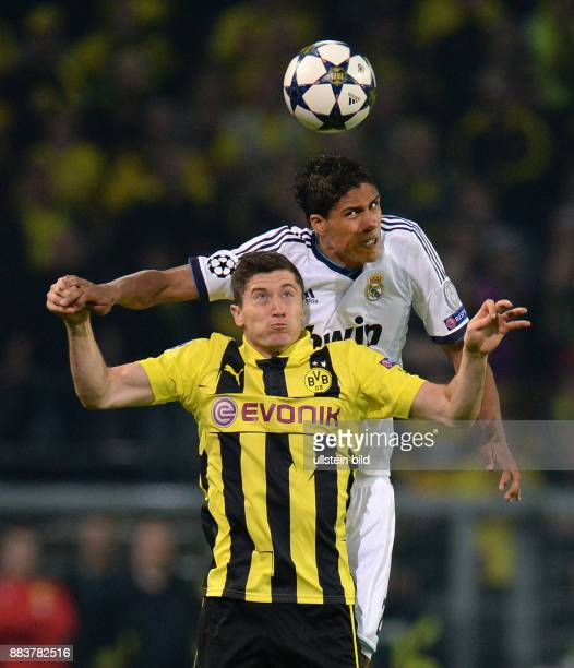 HalbfinalHinspiel Saison 2012/2013 FUSSBALL CHAMPIONS Borussia Dortmund Real Madrid Robert Lewandowski gegen Raphael Varane