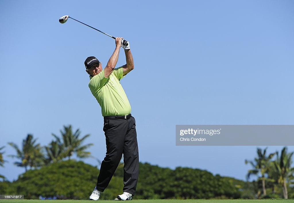 <a gi-track='captionPersonalityLinkClicked' href=/galleries/search?phrase=Hale+Irwin&family=editorial&specificpeople=239520 ng-click='$event.stopPropagation()'>Hale Irwin</a> plays from the second tee during the second round of the Mitsubishi Electric Championship at Hualalai Golf Club on January 19, 2013 in Ka'upulehu-Kona, Hawaii.